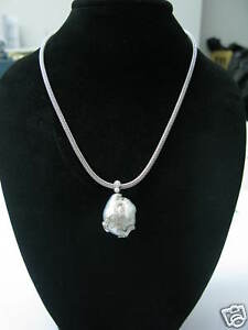 Pearl & Diamond Necklace 18Kt White Gold 1.00CT