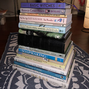Kitchen Hedge Green Basic Witchcraft Herbs Oils Candle Magic Healing 17 Book Lot