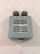 USED ALLEN-BRADLEY DOUBLE HEADED LIMIT SWITCH 802T-CD SERIES C  (H5)