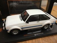 IXO 18CMC029 FORD ESCORT Mk2 RS1800 diecast model road car 1977 1:18th DAMAGED
