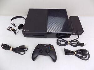 Like New XBOX One 1TB Matt Black Console - Wireless Controller - Cables ++