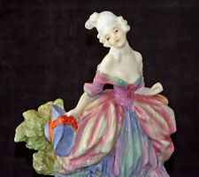 Very Rare Royal Doulton Figurine: The Belle HN754