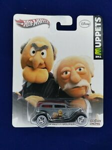 Hot Wheels Pop Culture The Muppets '34 Ford Sedan Delivery Real Riders  !!