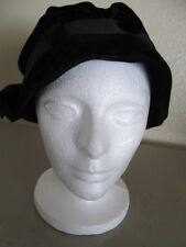 1811.Vintage Woman's Black Buttons and Bow Velvet Cloche Hat