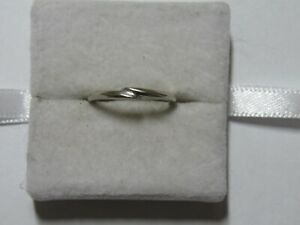 Jewelry - 10K White Gold Wedding Ring R33 - 1.80 Gross Grams - Size 5.5