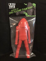 "Earth vs The Flying Saucers 12"" Saucerman Sofubi Vinyl Figure HOPToys Red 1/25"