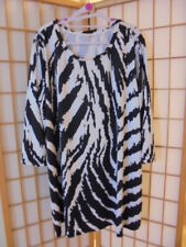 NEW ❤NANU❤ BLACK & WHITE STATEMENT 3/4 SLEEVE TUNIC/TOP PLUS SZ 3X (20-22)