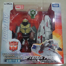 Takara Tomy Transformers United UN-30 - LIMITED EDITION OPTIMUS PRIMAL