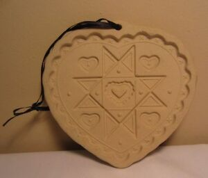 1993 Pampered Chef Homespun Heart Round Up From the Heart Baking Cookie Mold