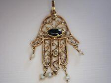 Pendentif  main de Fatima  saphir et 2 petits diamants or 18 ct
