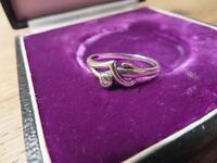 Bezaubernder 925 Silber Sterling Zirkonia wie Diamant Solitär Vintage Retro Top
