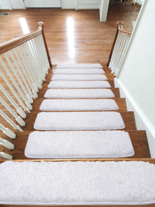Shaggy Glittter Stair Treads NON-SLIP MACHINE WASHABLE Rug/Carpet, 22x67cm,WHITE
