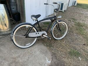 "26"" Mens Limited Edition Disney Mickey Mouse Beach Cruiser Bike"