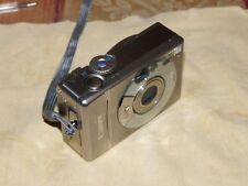 Canon IXUS 300 / PowerShot Digital Elph S300 2.0 MP Digitalkamera - Silber