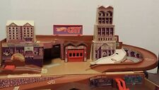 Vintage Hot Wheels City 1979 Mattel Sto N Go Fold Up Play Set with box!!!