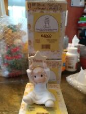 """New Precious Moments  """"Hang on to that Holiday Feeling"""" mini Nativity add on"""