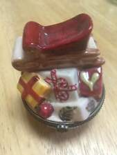 Villeroy and Boch 1748 Hinged Christmas Trinket Box Sled with Presents
