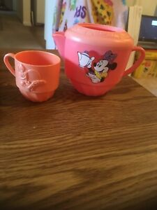 1992 Disney Mattel Minnie Mouse Plastic Teapot and Daisy Duck Teacup