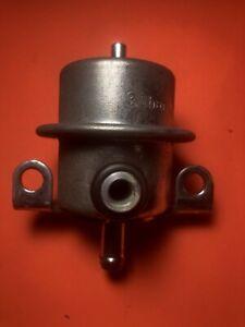BVOL  VOLVO 240 740 760T 780T 940 Fuel Pressure regulator  3517064 / 0280160294