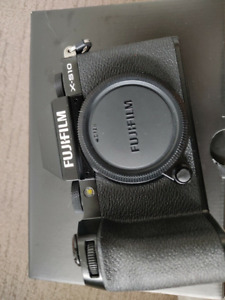 Fujifilm X-S10 26.1MP Mirrorless Camera - Black (Body Only)