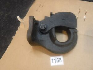 NOS TOYOTA Pintle Hook Trailer Hitch 51980-60010 1981-87 FJ40 & FJ55 Landcruiser