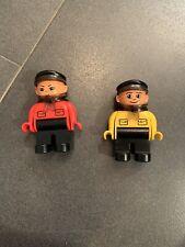 Lego duplo treno INTELLIGENTE COPPIA MACCHINISTI 3325 3335 ROSSO e GIALLO - RARI