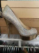 Enzo angiolini Easully size 4 studded gold Pumps Women