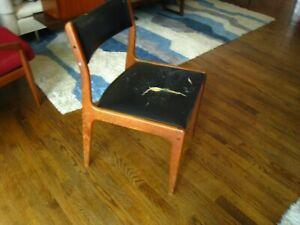 Vintage 1970s Erik Buch Teak Framed Dining Chair w. Black Vinyl Pad. Model #49