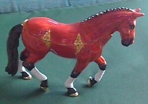 TREASURED TRINKETS by Juliana, lovely BROWN HORSE in satin lined box, NEW