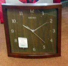"SEIKO NEW SQUARE 10.5 ""WOODEN WALL CLOCK  QXA675ZLH"