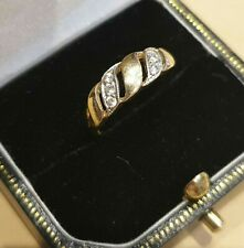 Hallmarked 9ct Gold Ring set with Cubic Zirconia Gemstones. Size L. 2.09 Grams.