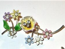 VINTAGE FLOWERS & RHINESTONES BROOCH PIN & SCREW BACK EARRINGS SET