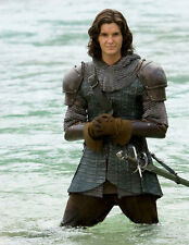 Ben Barnes UNSIGNED photo - E1296 - The Chronicles of Narnia