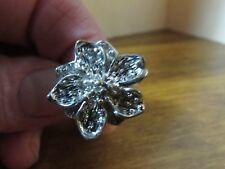 VINTAGE silvertone size 9 floral ring