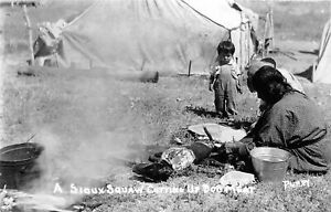 H9/ Native American Indian RPPC Postcard c1950 Sioux Squaw Dog Meat17