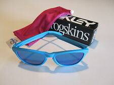 New Oakley Frogskins Sunglasses Matte Sky Sapphire Irdium Lenses OO9013-15
