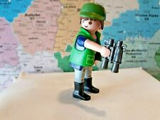personnage playmobil garde forestier avec jumelle