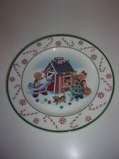 Longaberger Roger and Ginger Holiday Christmas 9 inch Plate with Original Box