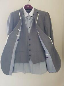 Mens suit 40L