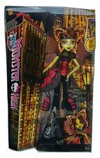 Mattel CHW62 Monster High Buh York Luna Moth Puppe