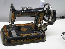 ANTIQUE CAST IRON LOCK STITCH HAND CRANK SEWING MACHINE IN EXCELLENT CONDITION