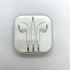 Apple EarPods (MD827LL/A) with Remote and Microphone - Aux