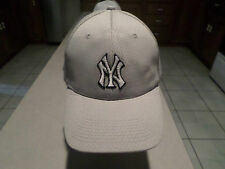 AWESOME NEW YORK YANKEES FLEX FIT HAT SIZE XL 7 3/4 - 8 CUSTOM MADE NICE!!