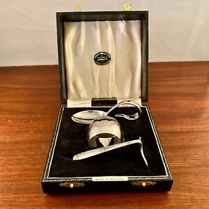 NEW ENGLISH SILVER PLATE BABY SET: SPOON, PUSHER, & NAPKIN RING IN ORIGINAL BOX