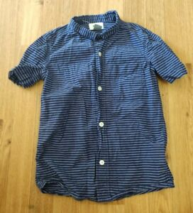 Old Navy Size XS (5) Button Up Blue And White Striped Boys Shirt