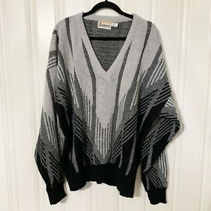 London Fog 2X Men's Vintage Wool Gray, Black V-Neck Geometric Grandpa Sweater