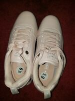 Womens shoes size 6 1/2 new