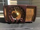 Vintage 1950's Zenith R723 Bakelite Tube AM / FM Radio, Works
