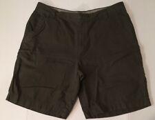 Columbia Sportswear Company Man Short Dark Green Size 40