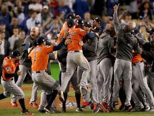 HOUSTON ASTROS WIN 2017 WORLD SERIES   8X10 PHOTO W/BORDERS  MLB